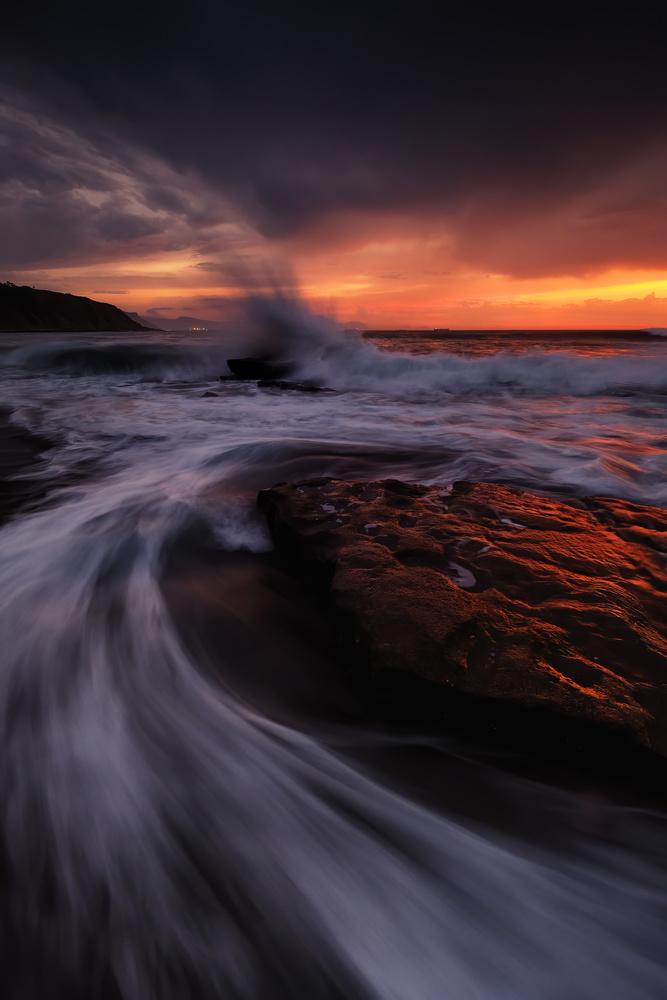 Crashing wave by Marvin Schweer