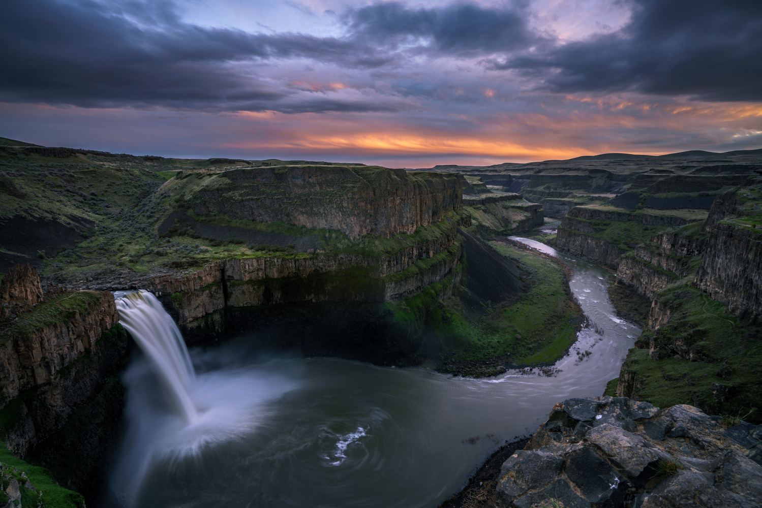 Sunset at Palouse Falls by Chris Stocking