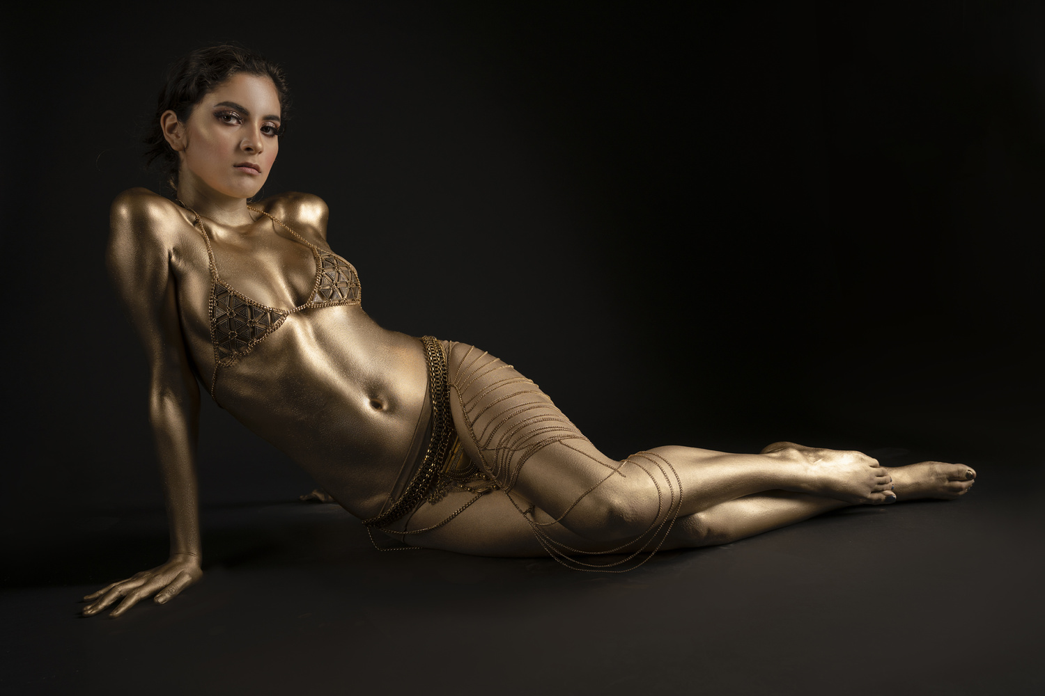 Valeria Amor in Gold by Jeff Bennion