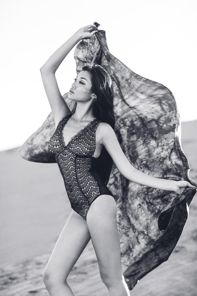 Naomi by Sebastian Graetz