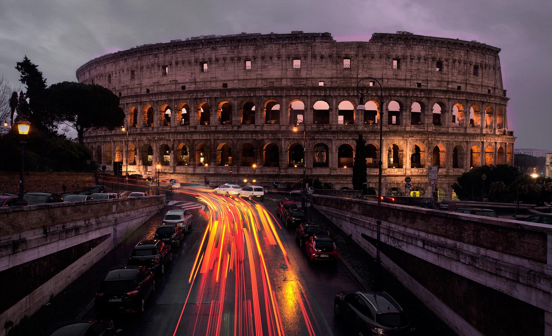 Colosseo by Alessandro Vegini