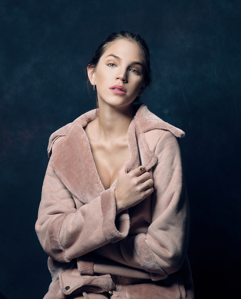 Gina in pink by Charles Wolf