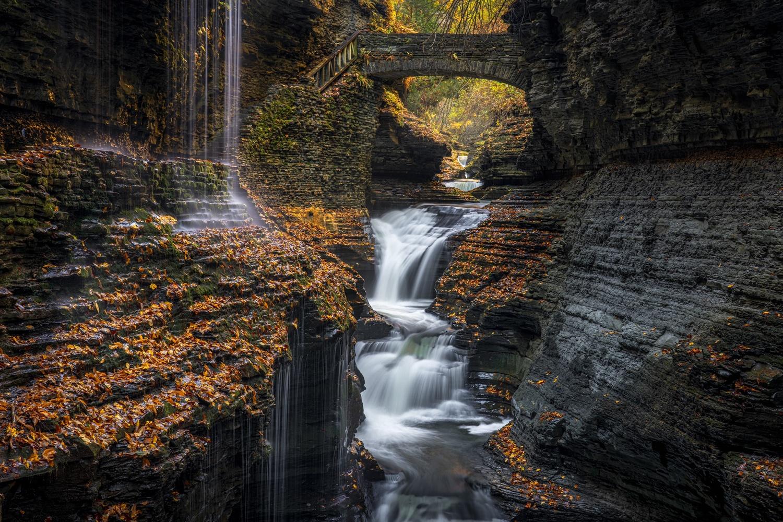 Rainbow Falls by Shane Garner