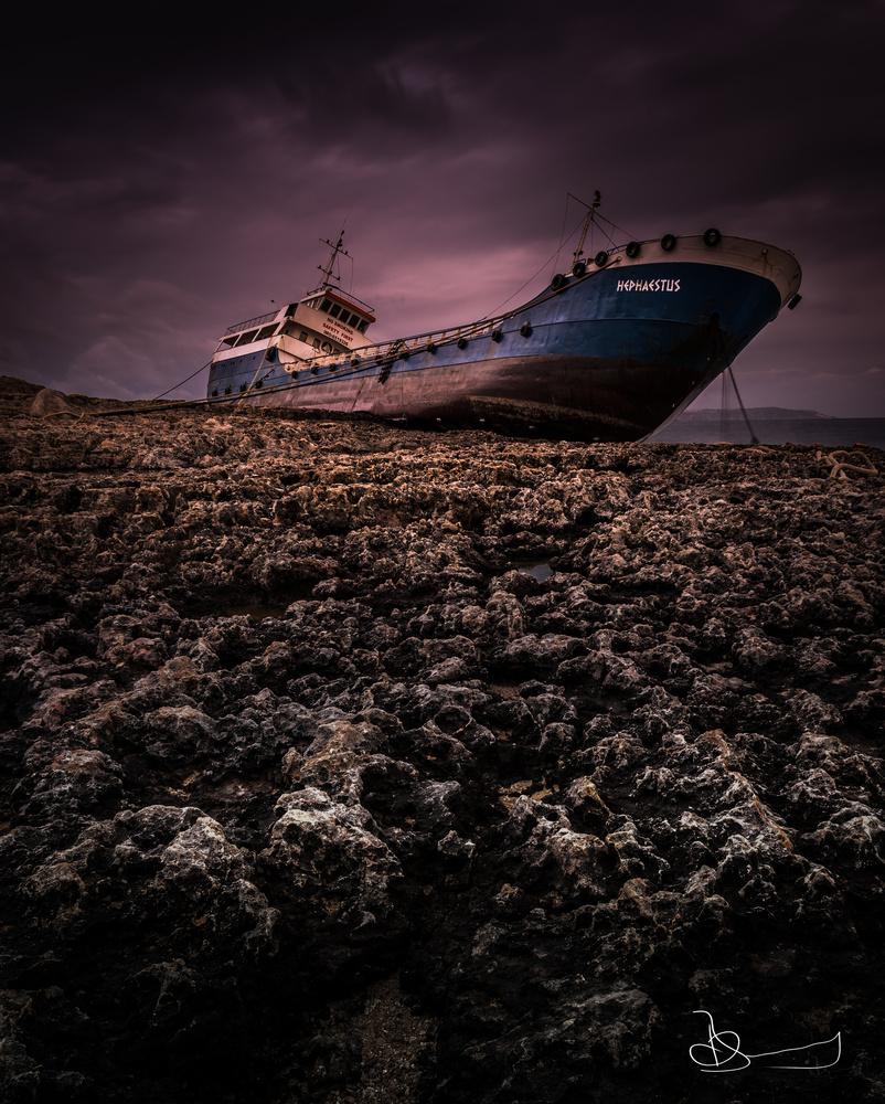 Shipwreck by oswaldo borg