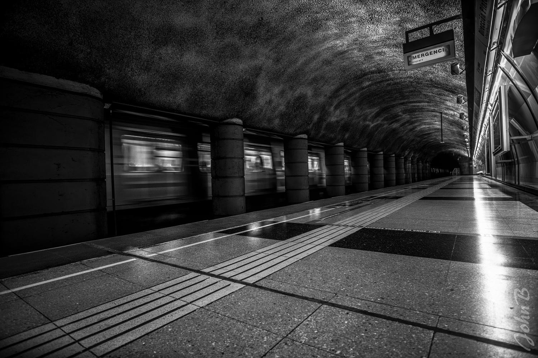 Metro de Santiago - Los Orientales station by John Bankson