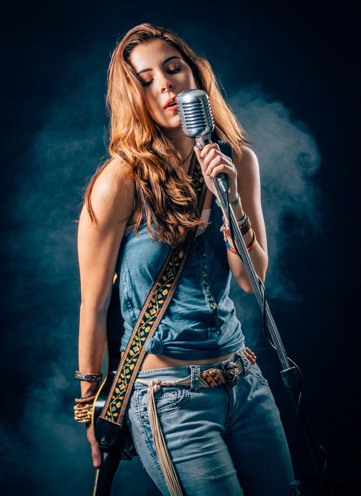 Camila by Alberto Sandoval