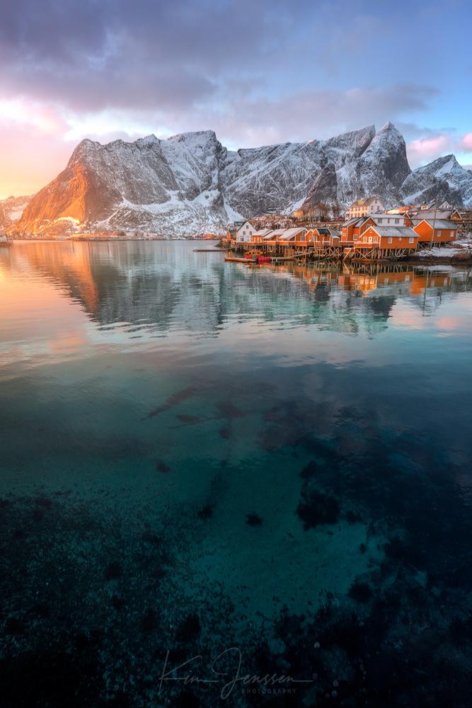 The glow in Lofoten by Kim Jenssen
