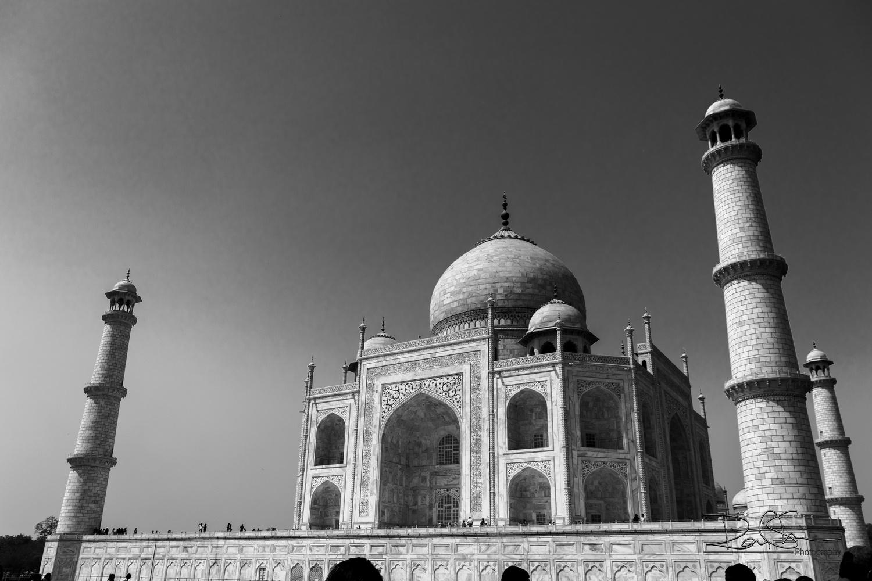 Taj Mahal by Raj Sinha