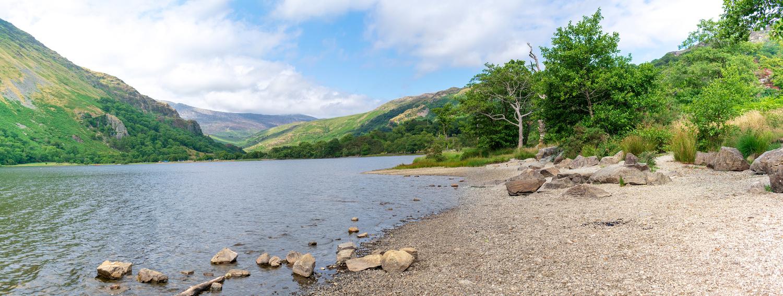 Lake Llyn Gwynant by Steven Clough
