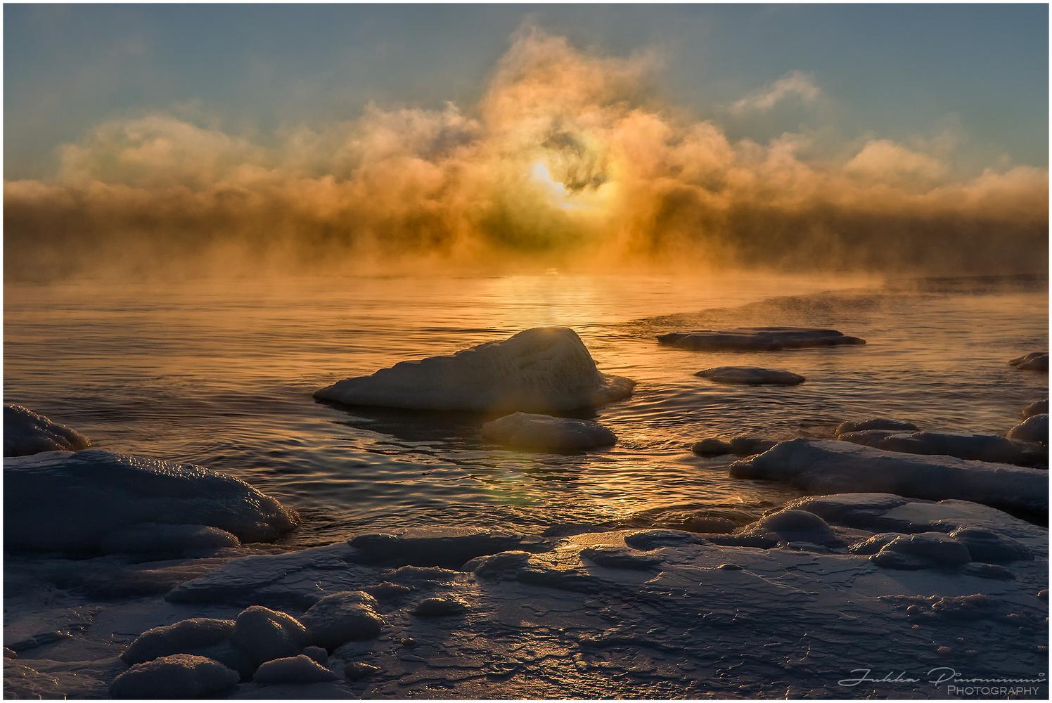 Cold morning by Jukka Pinonummi