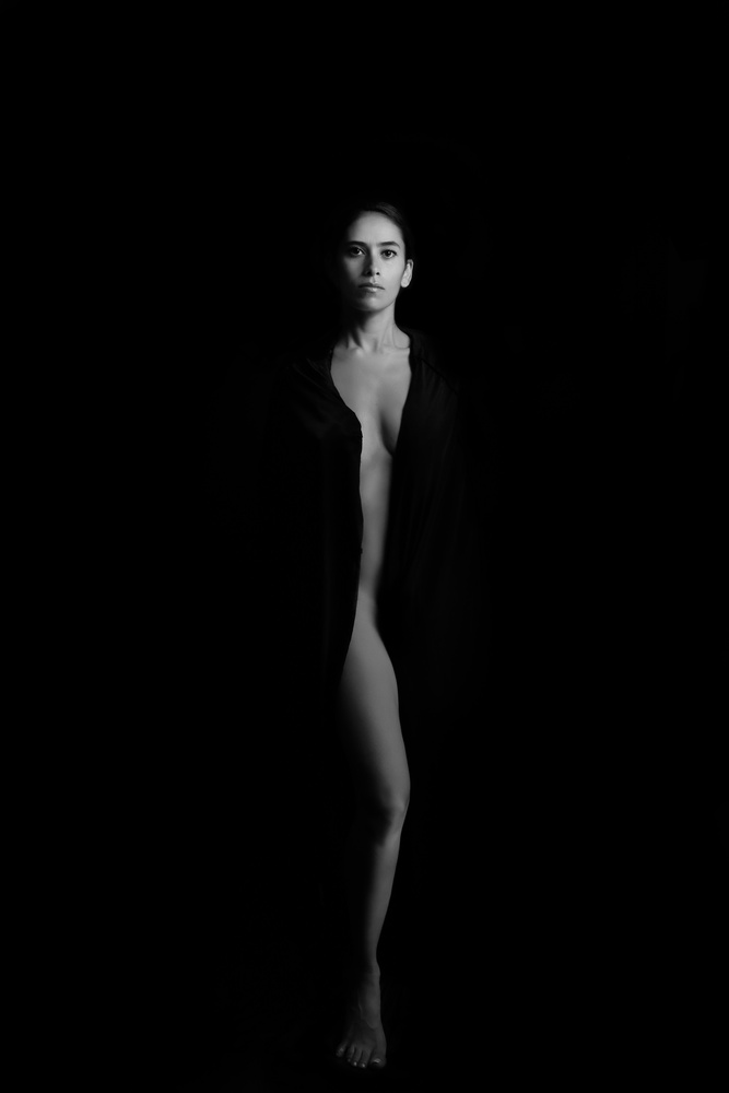 Lina B/W by Tommy Vidal