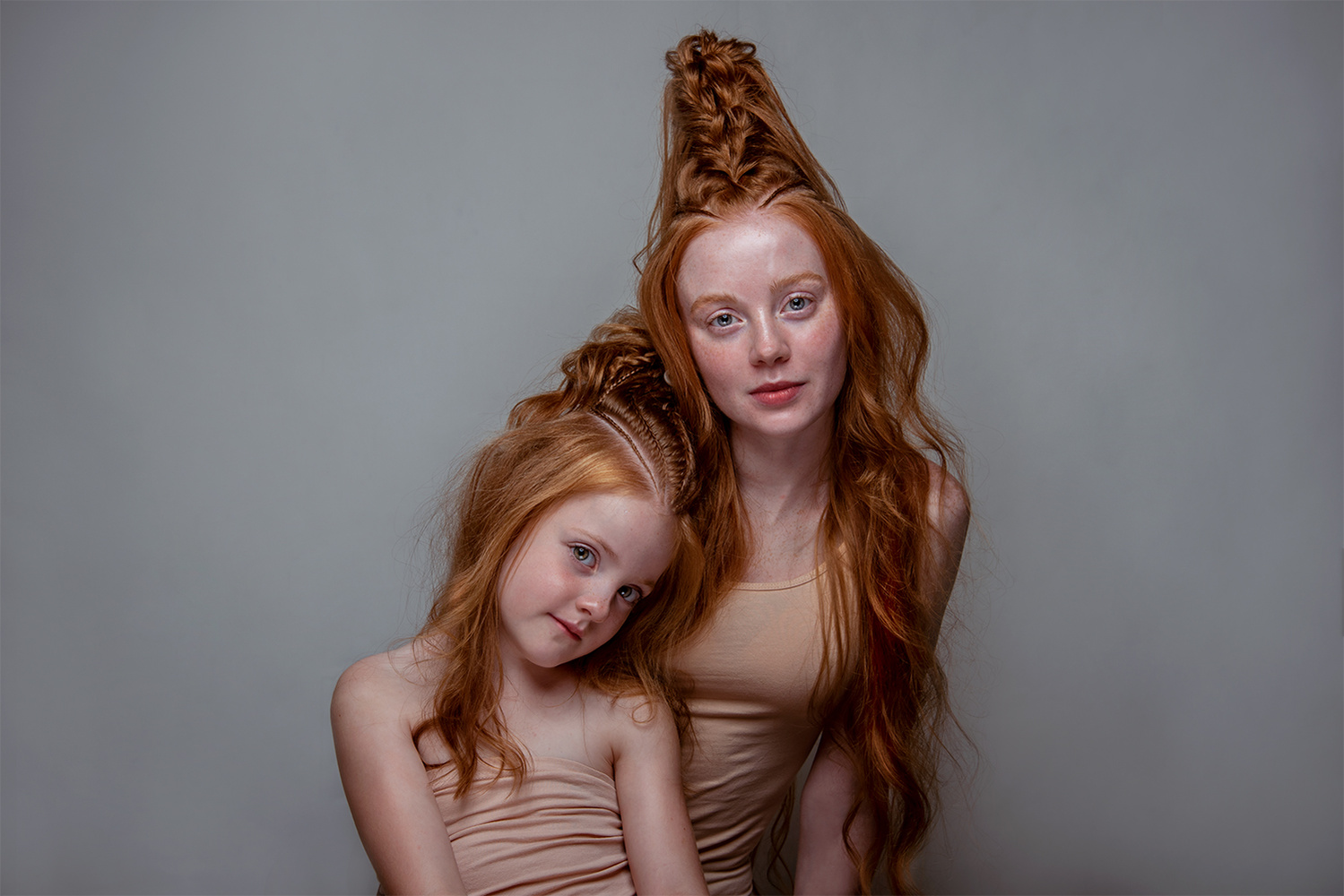 Saskia and Rosalie by Sanne van Bergenhenegouwen