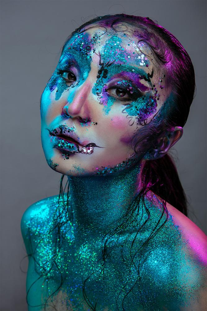 All that glitters by Sanne van Bergenhenegouwen