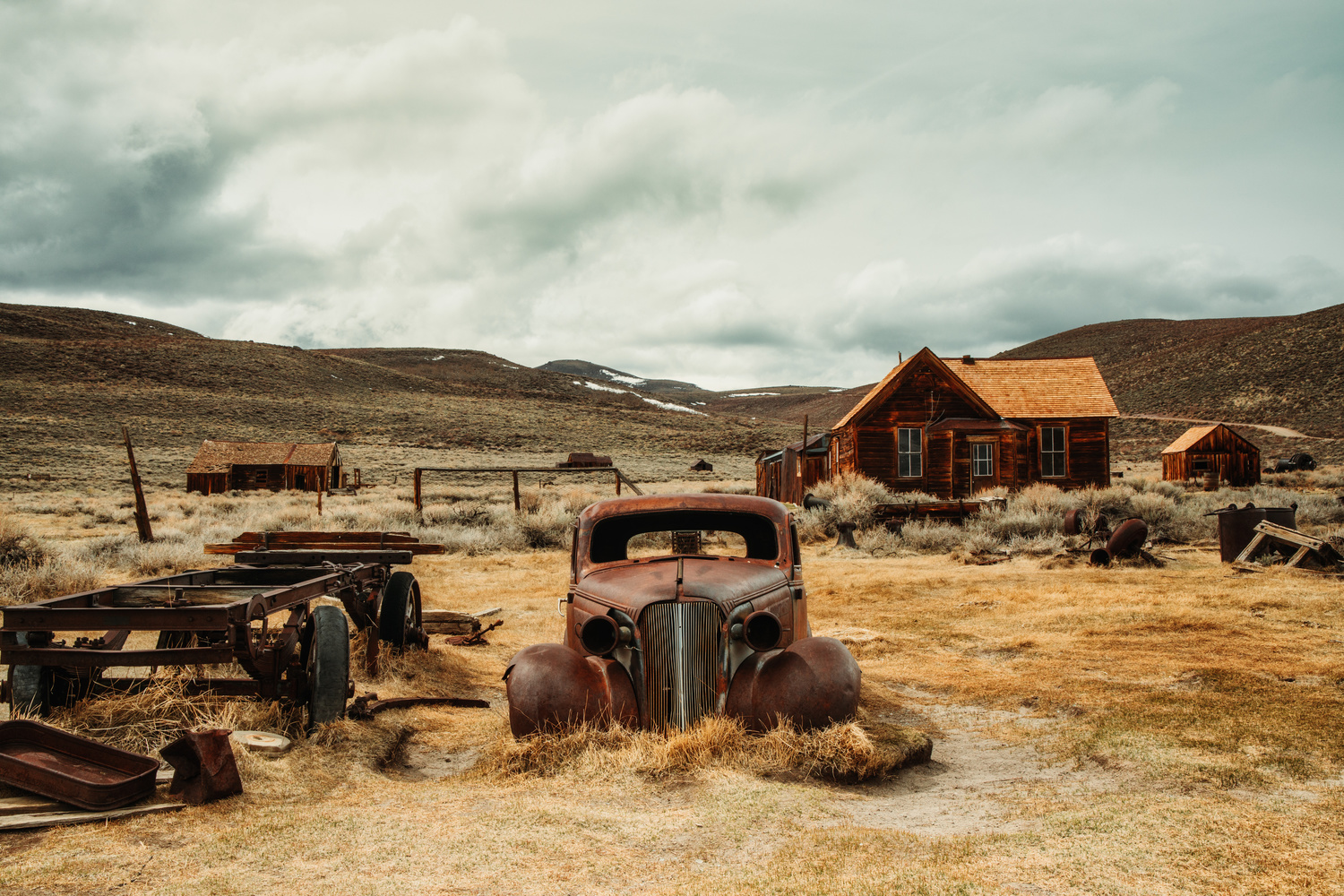 1937 Chevy at Bodie ghost town . by Florian Mauduit