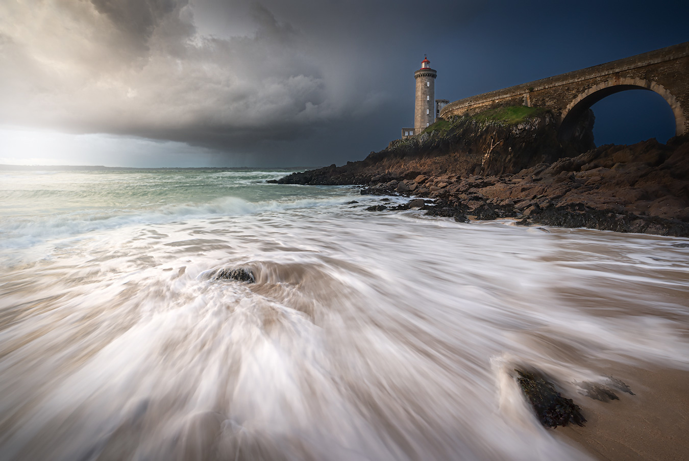 ''Inflowing storm'' by Kevin Teerlynck