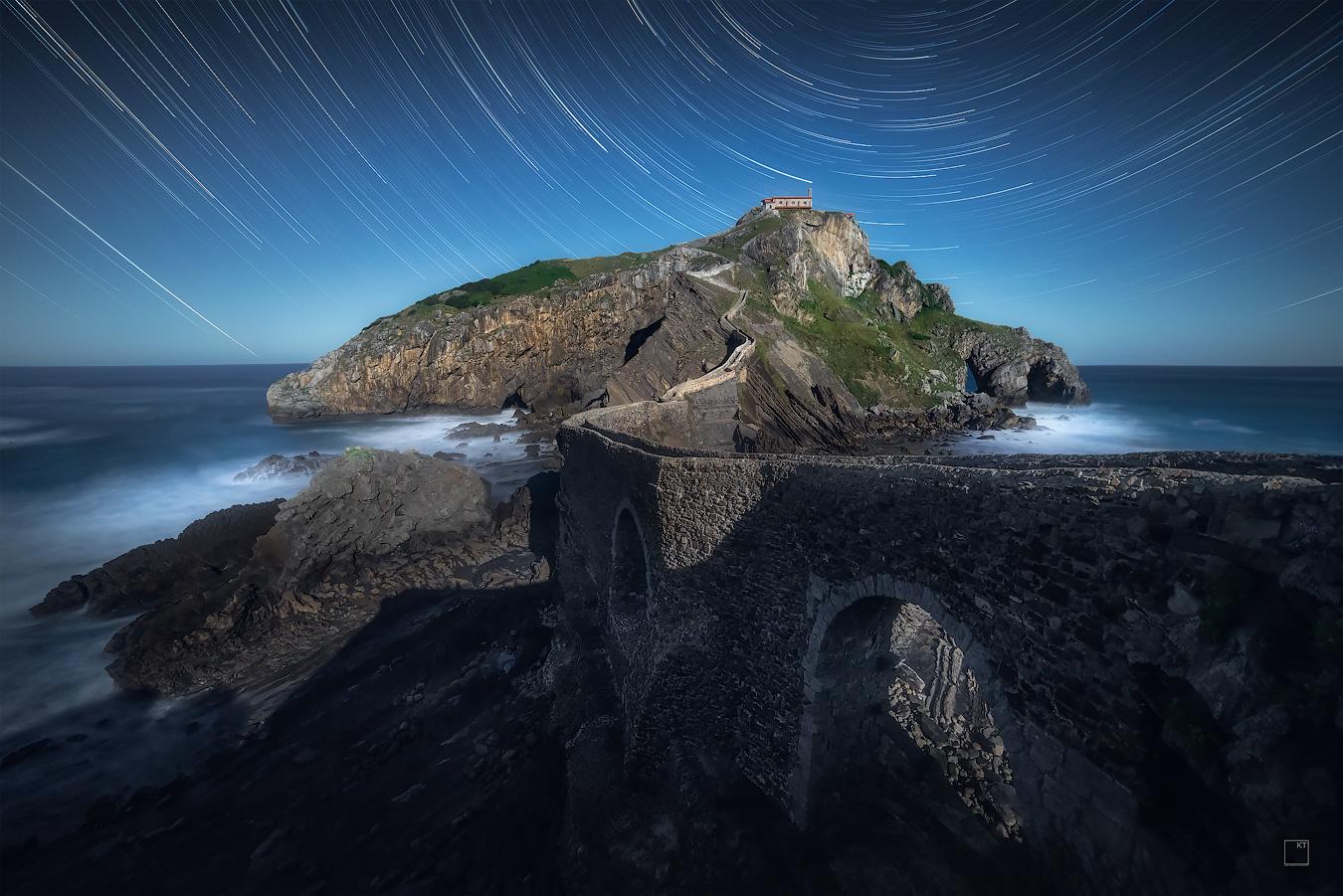 Moonlit Gaztelugatxe by Kevin Teerlynck