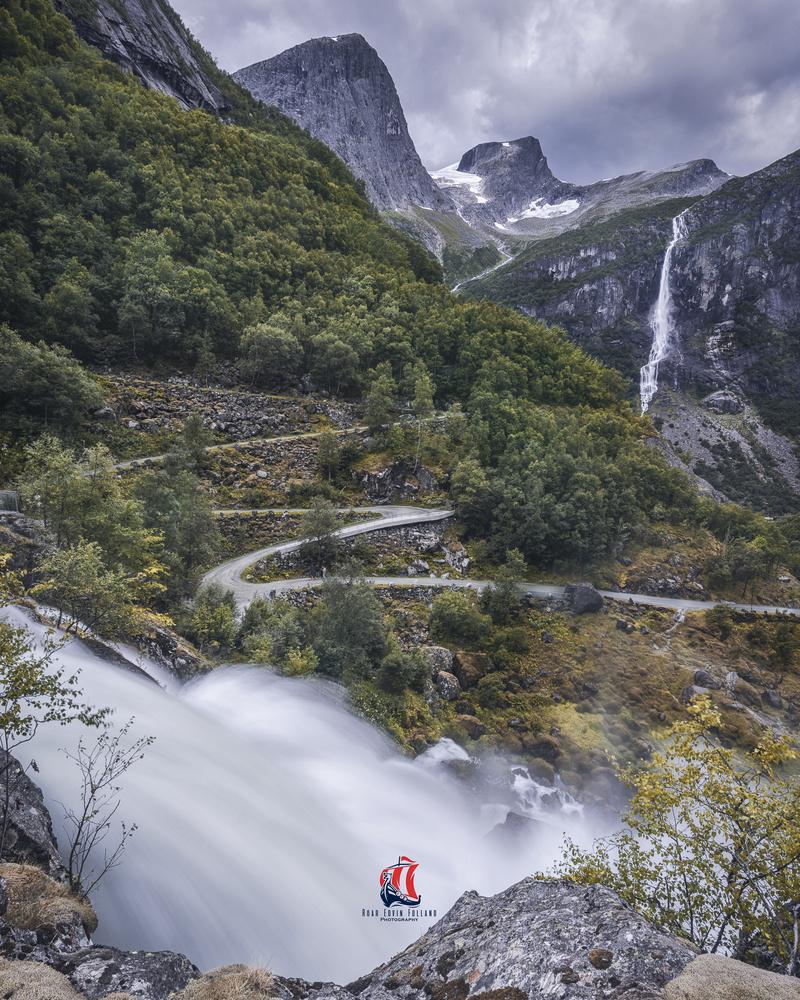 Briksdalen by Roar Edvin Folland