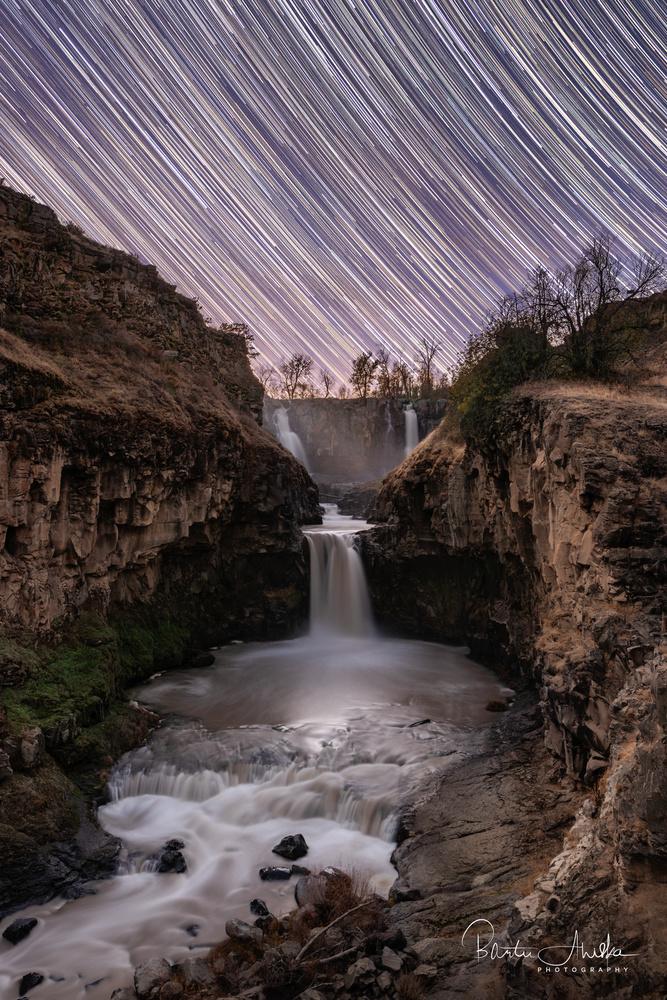 Star falls by Bartu Ahiska