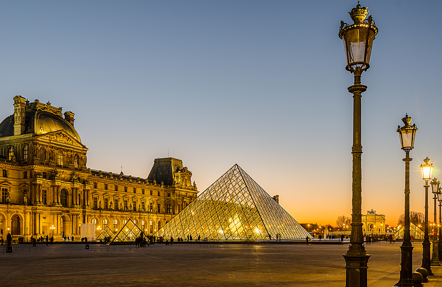 Paris Louvre by Vito Cagnazzo