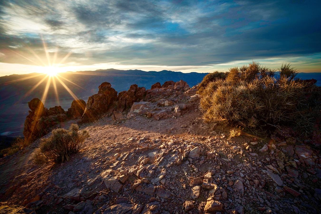 Dante's Peak Sunburst by Daniel Wishard