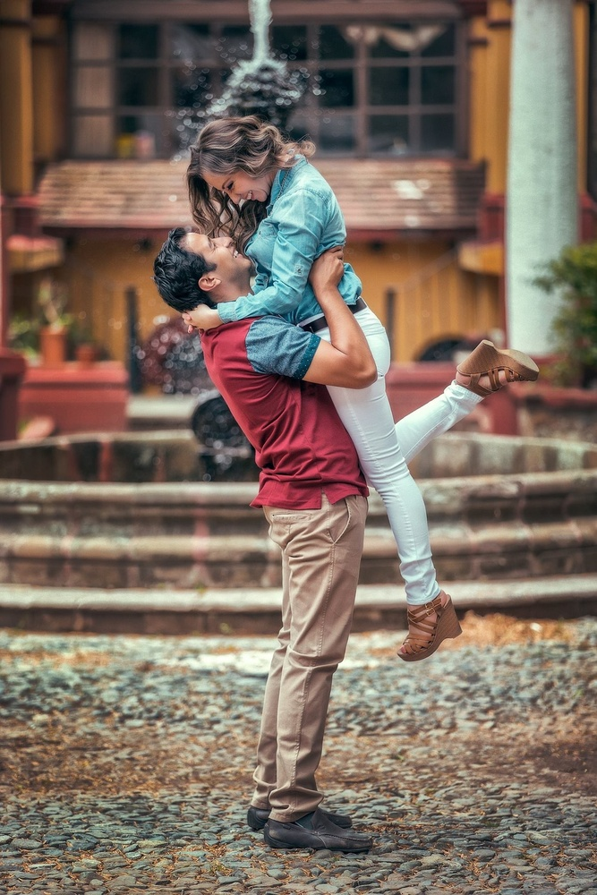 Guanajuato couple by Carlos Jimenez