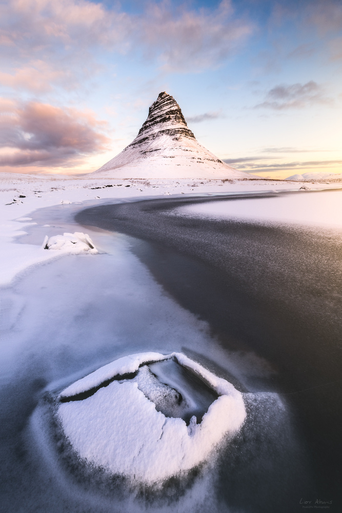 Arrowhead Mountain by Lior Akunis