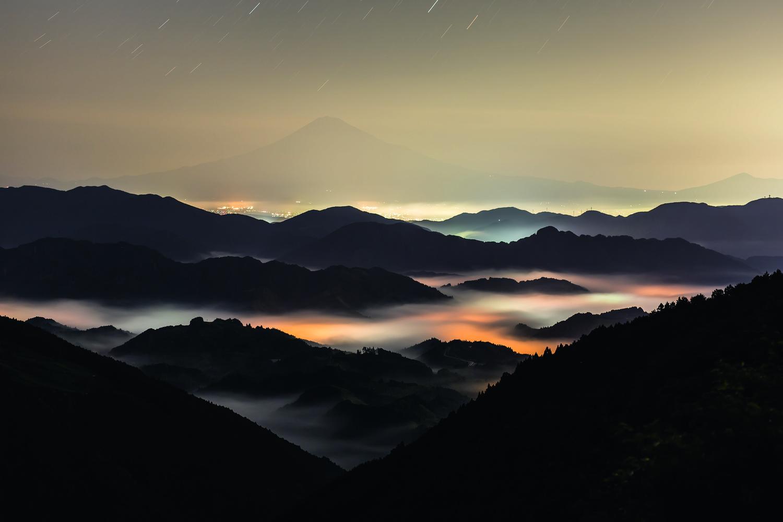 Glowing clouds by kousuke kitajima