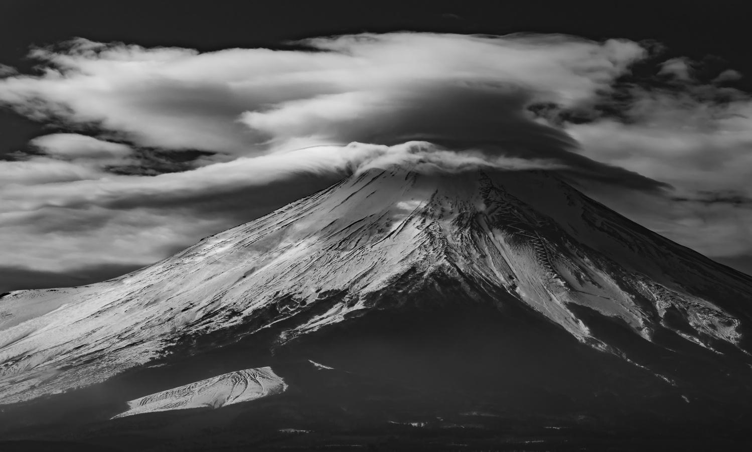 powerful clouds by kousuke kitajima