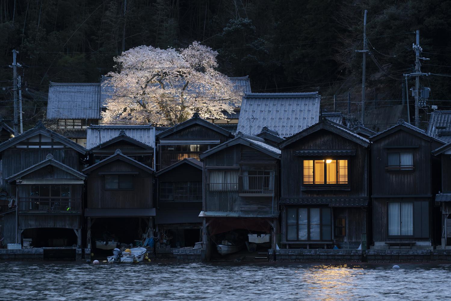 The beginning of the night by kousuke kitajima