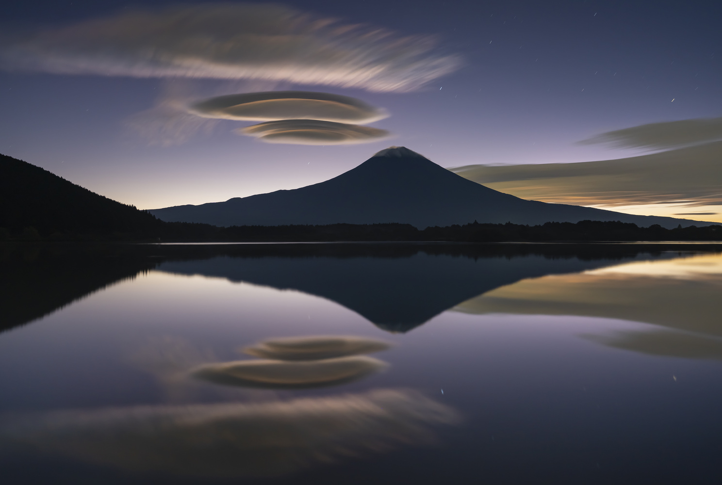 Lively dawn by kousuke kitajima