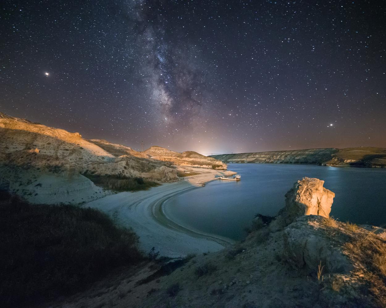 A starry night by Emre KARABULUT
