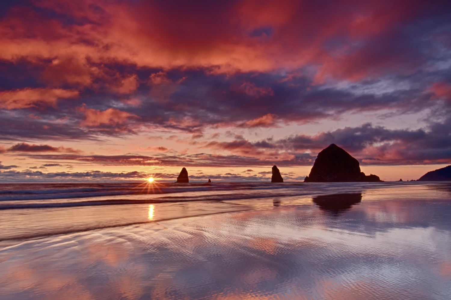 Cannon Beach Sunset by Bruce Lee