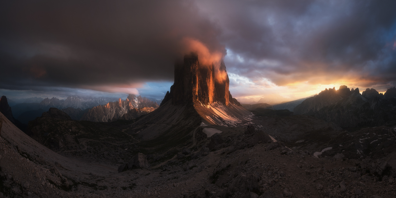 Light explosion by Luis Cajete