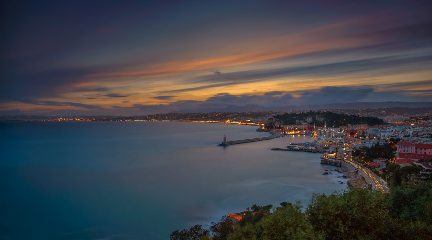Nice - Long exposure during sunset by Alex Lud
