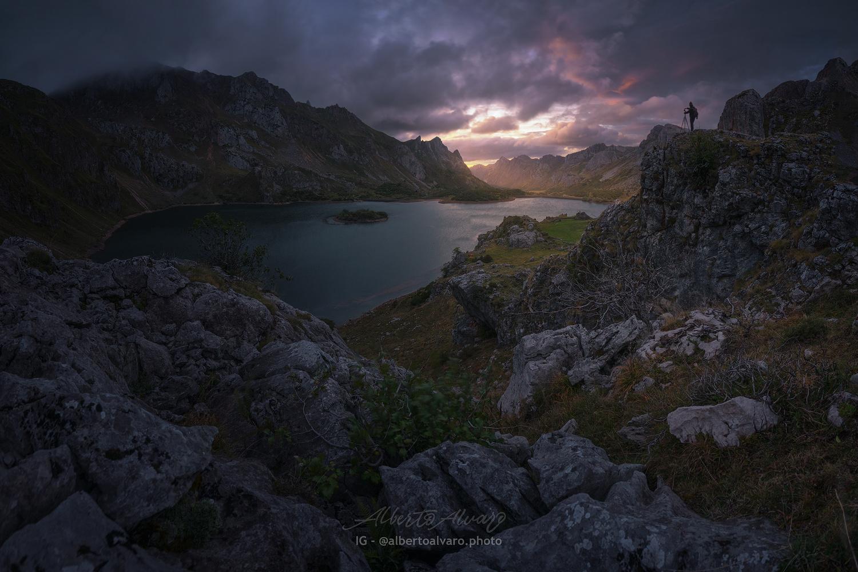 Valley of Lago by Alberto Alvaro