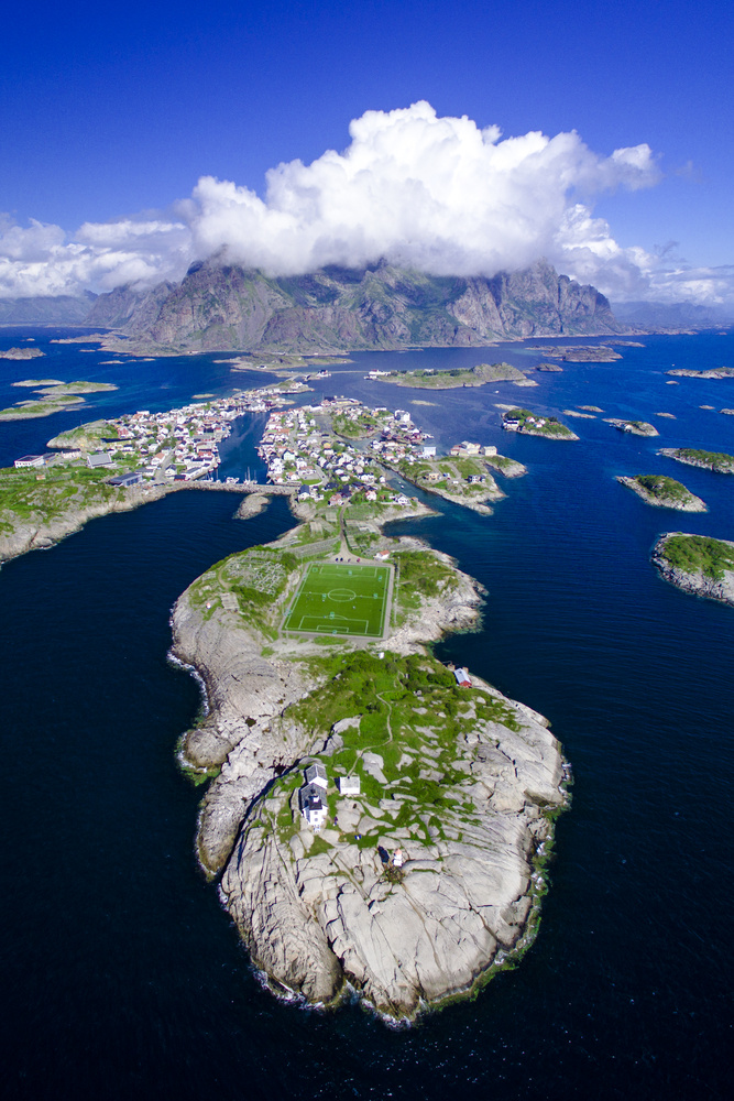 The stunning town of Henningsvær - NORWAY by Andreas Fiskeseth