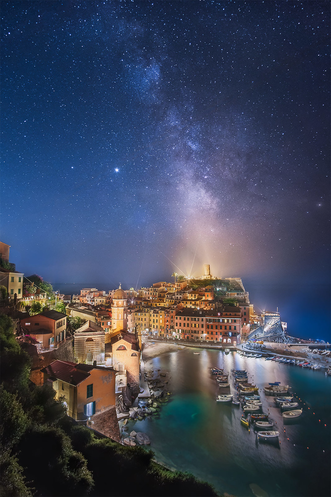 A night in Vernazza by Anton Galitch