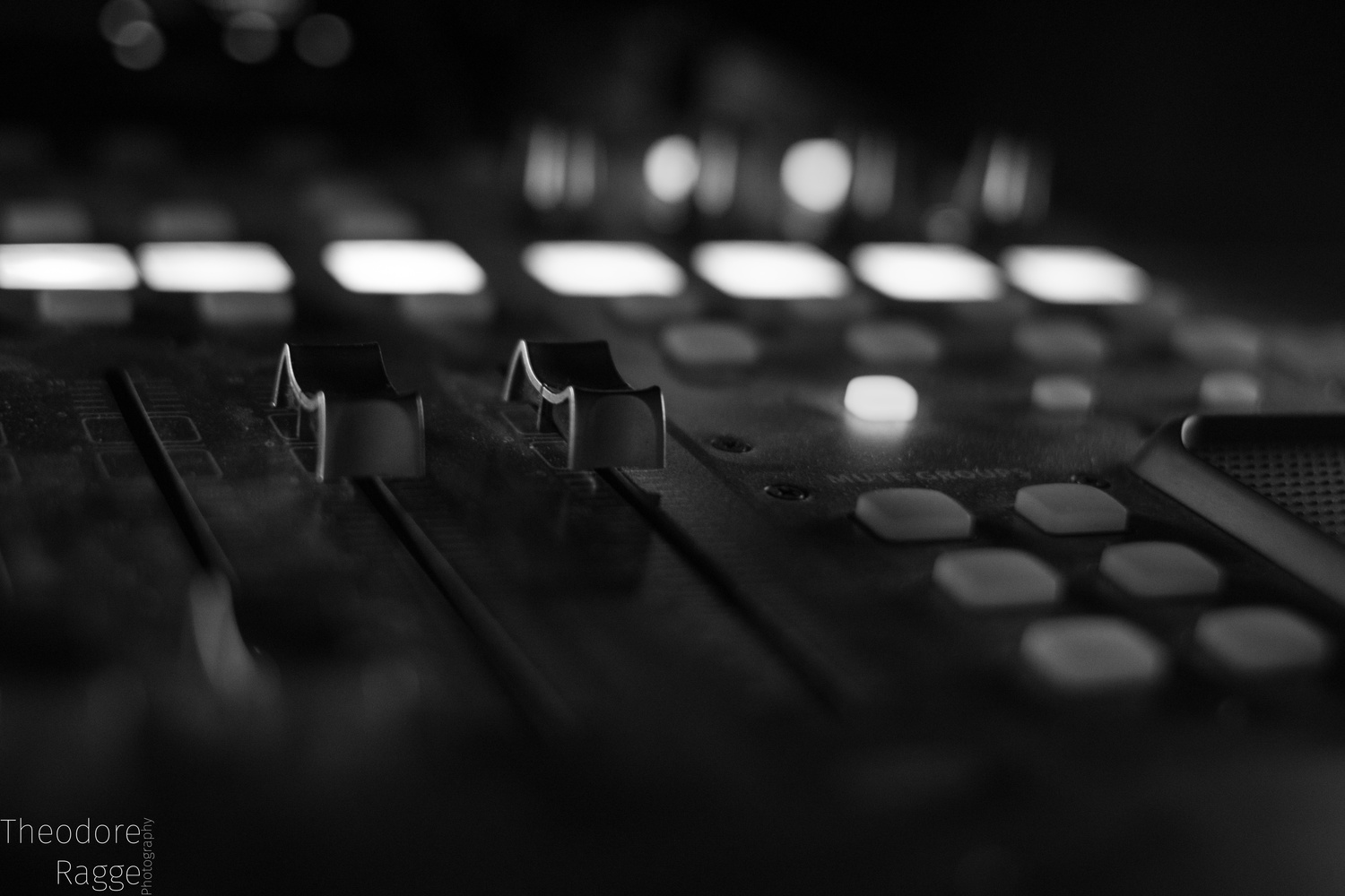 Behringer X32 by Theodore Ragge