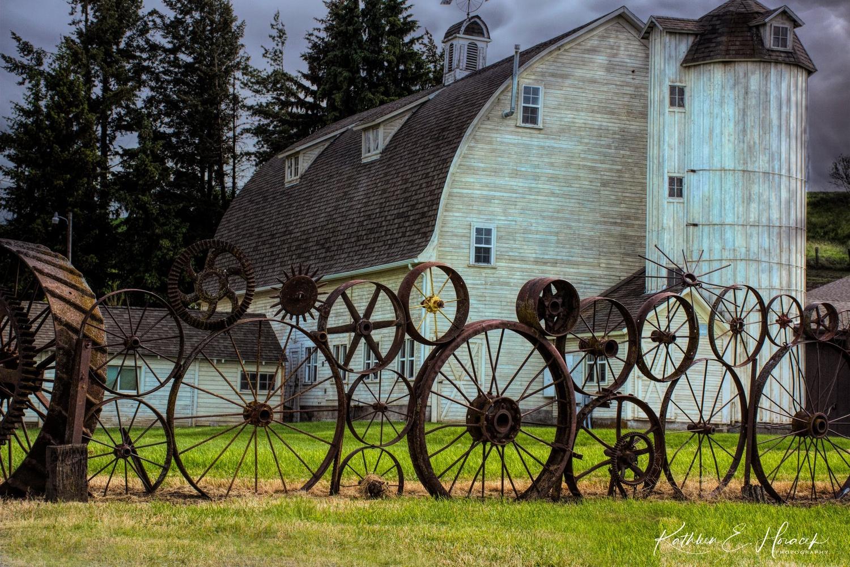 Dahlman Barn by Kathleen Horacek