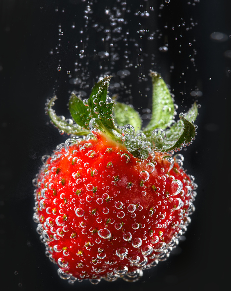 Semi-macro of strawberry by Dmitry A