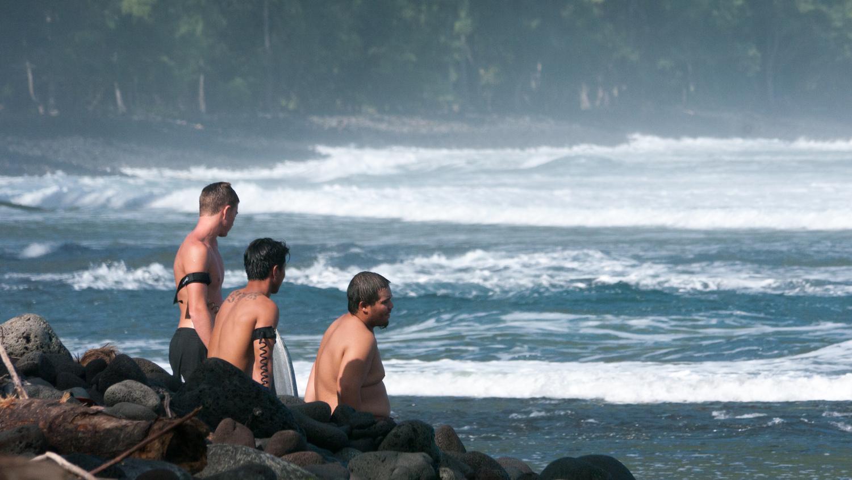 Waipio surfers by Rameses Mendoza