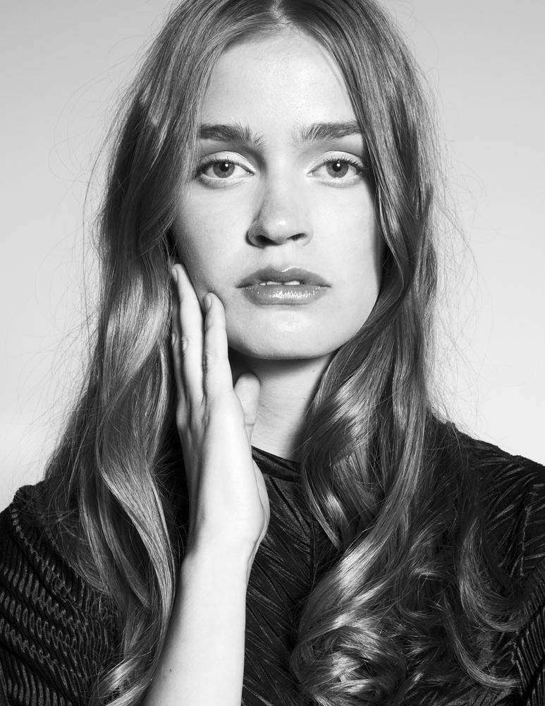 Floortje 1 by Denice Lindeman