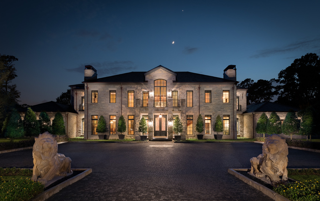 Houston Million Dollar home by Vladimir Ambia