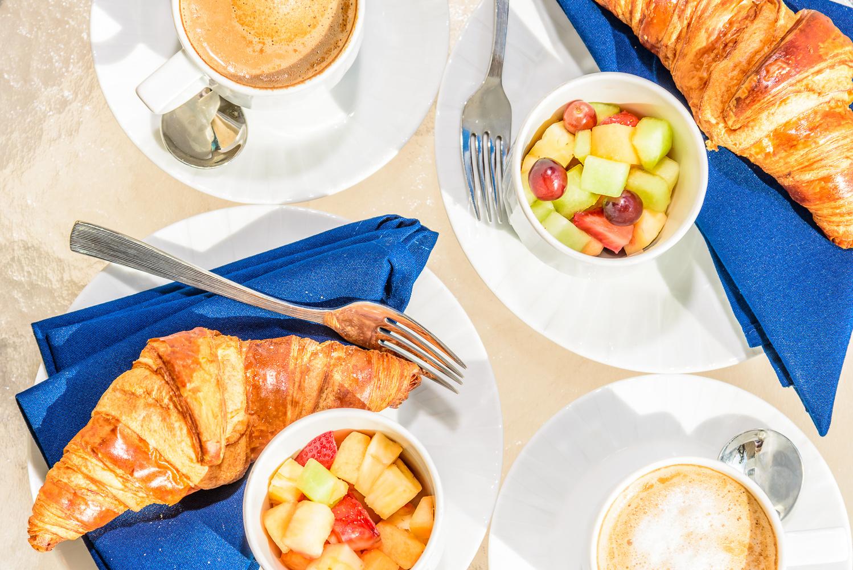 Breakfast by Richard Hart