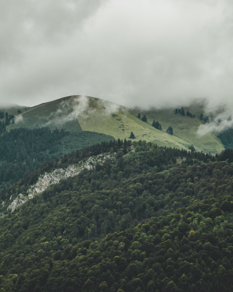 Pyrenees mountains by Merlin Le Pluart