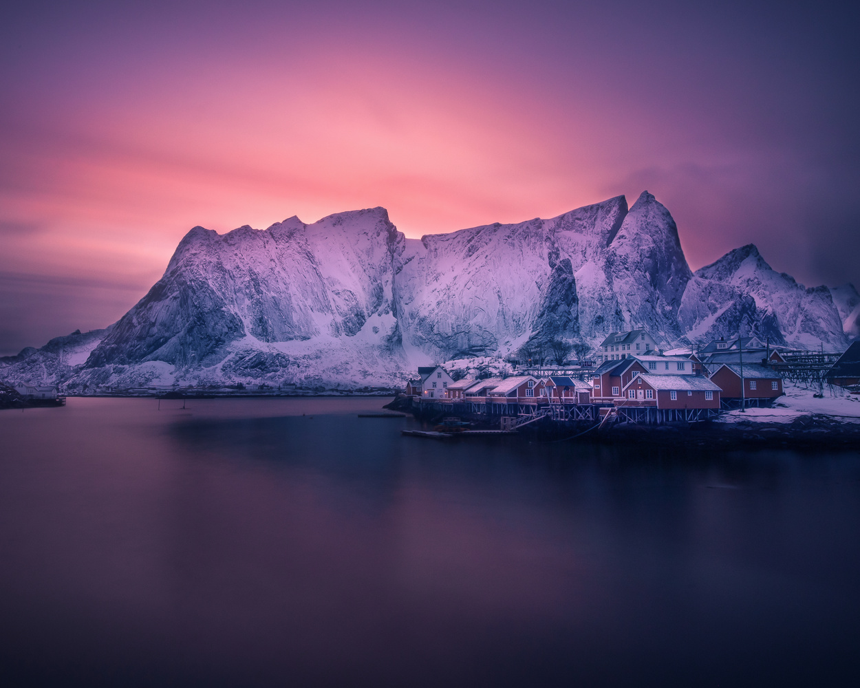 Last glow of light over Reine, Lofoten by Roger Kristiansen