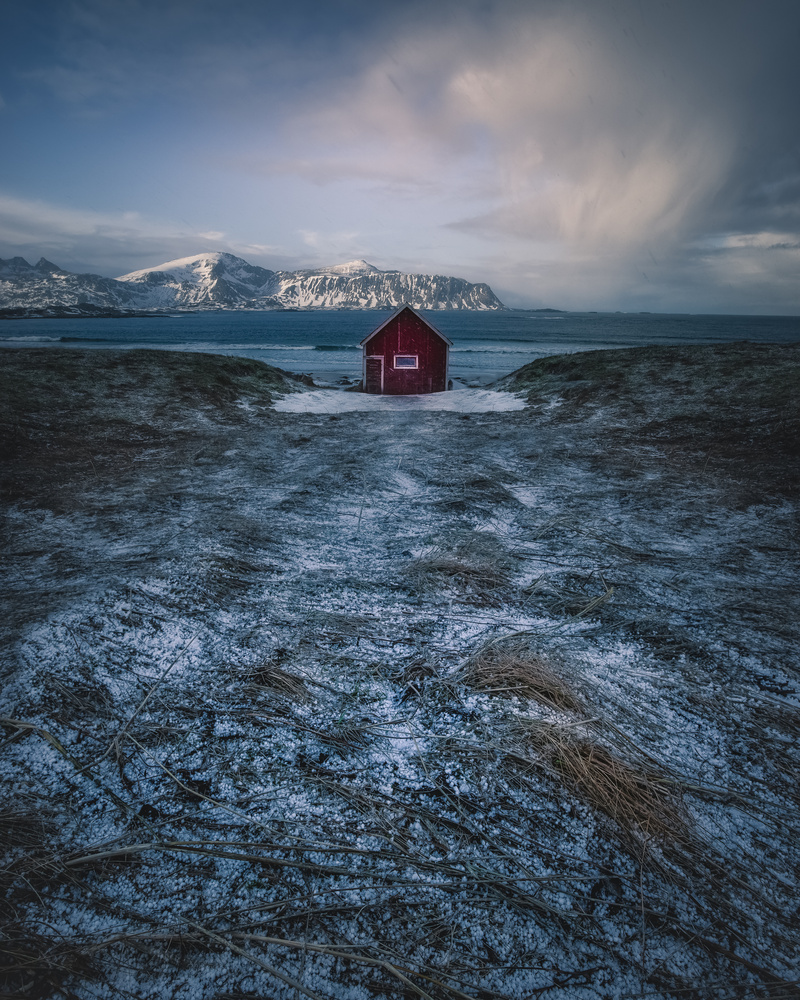 Completely alone by Roger Kristiansen