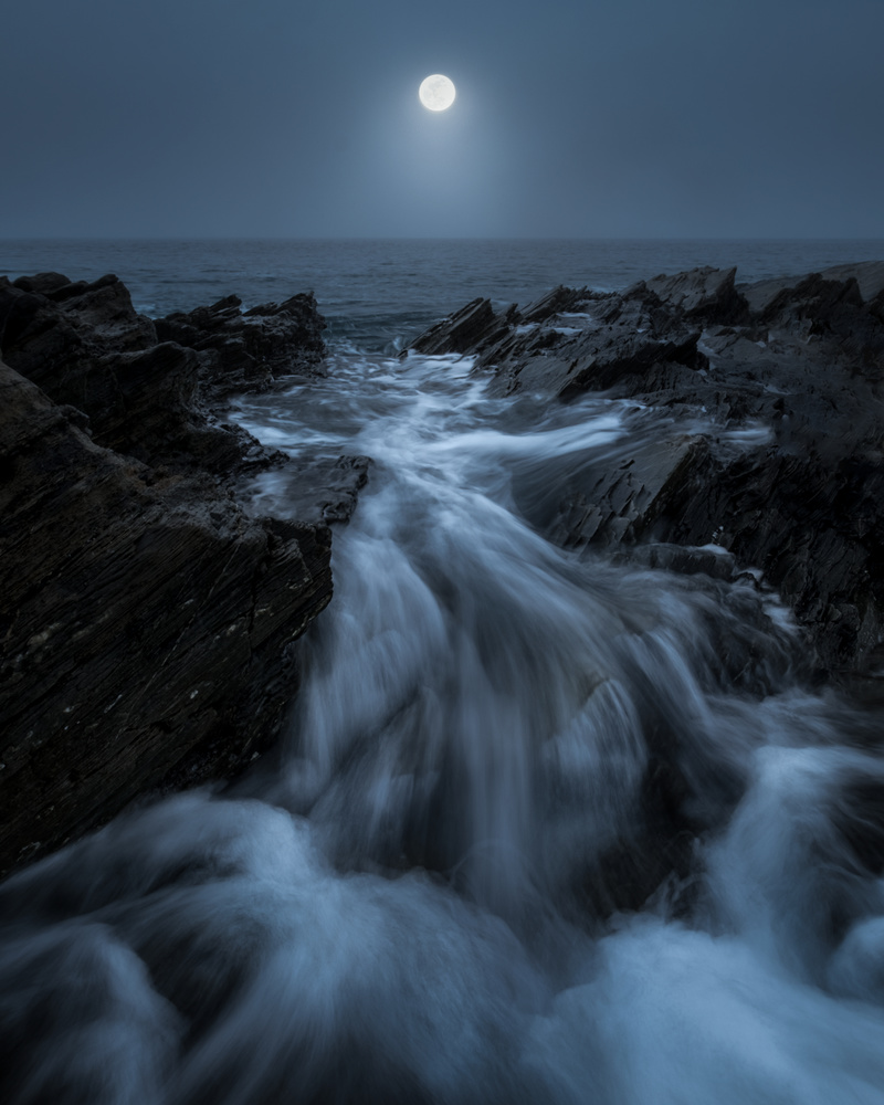 Atmospheric flow by Roger Kristiansen