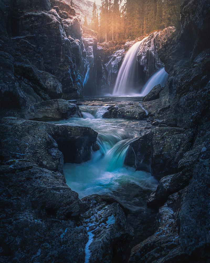 Sunset light at Rjukandefossen, Norway by Roger Kristiansen