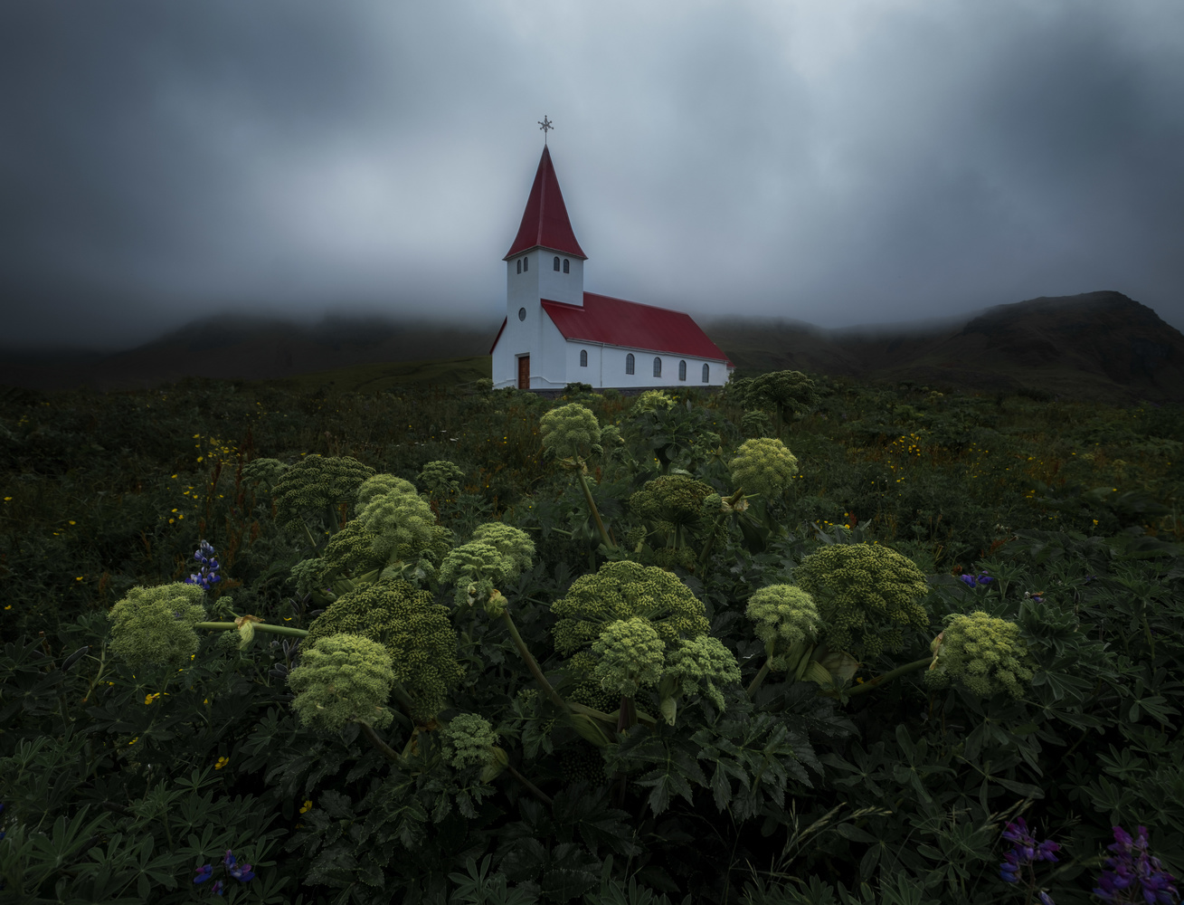 Vík í Mýrdal Church by Roger Kristiansen